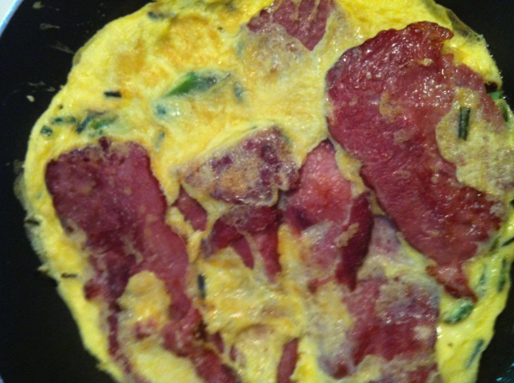 uncured turkey bacon onto the frittata